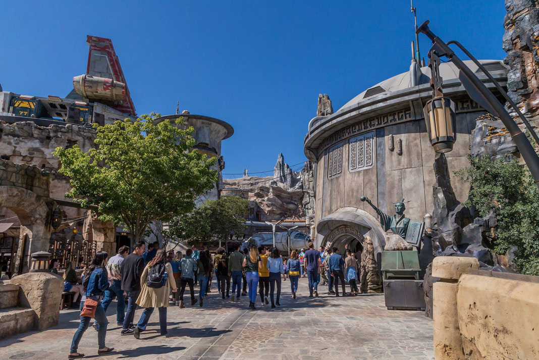 Star Wars: Galaxy's Edge Tips - Datapad App
