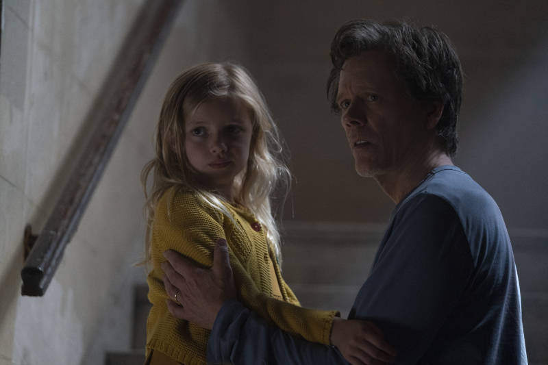 Ella Conroy (Avery Essex) and Theo Conroy (Kevin Bacon) in You Should Have Left.