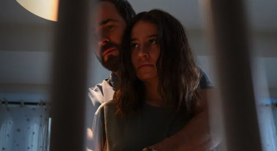First Look at Ilana Glazer and Justin Theroux in Hulu's False Positive