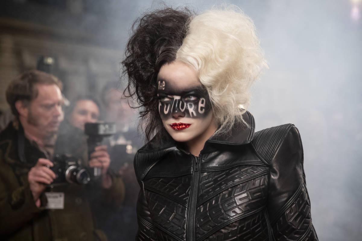 Meet the Queen of Mean in New Cruella Sneak Peek!