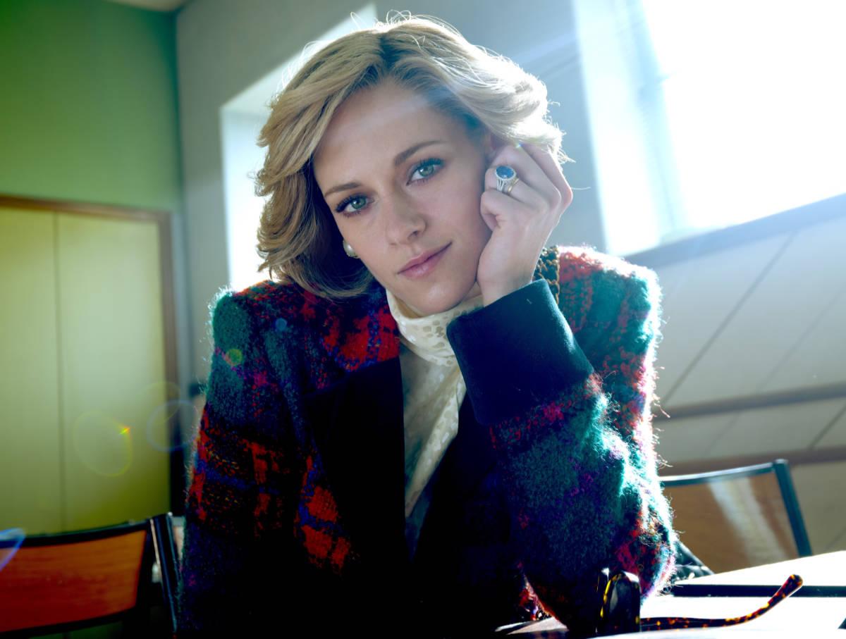 New Photo of Kristen Stewart as Princess Diana in Spencer