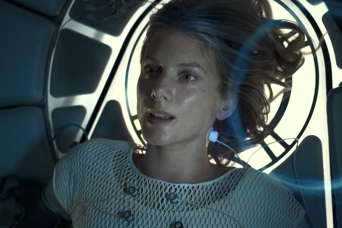 Oxygen Trailer and Key Art Featuring Mélanie Laurent