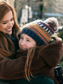 Wolf Like Me Series to Star Josh Gad and Isla Fisher