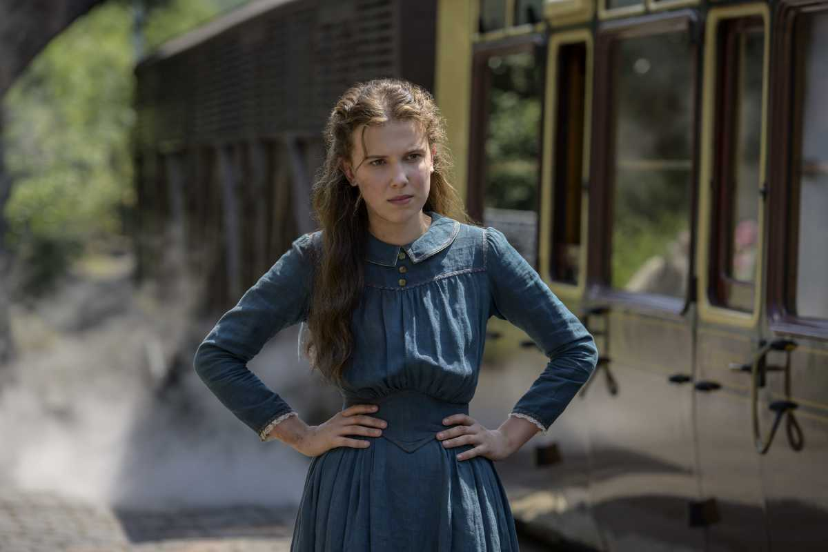 Millie Bobby Brown and Henry Cavill to Return for Enola Holmes Sequel