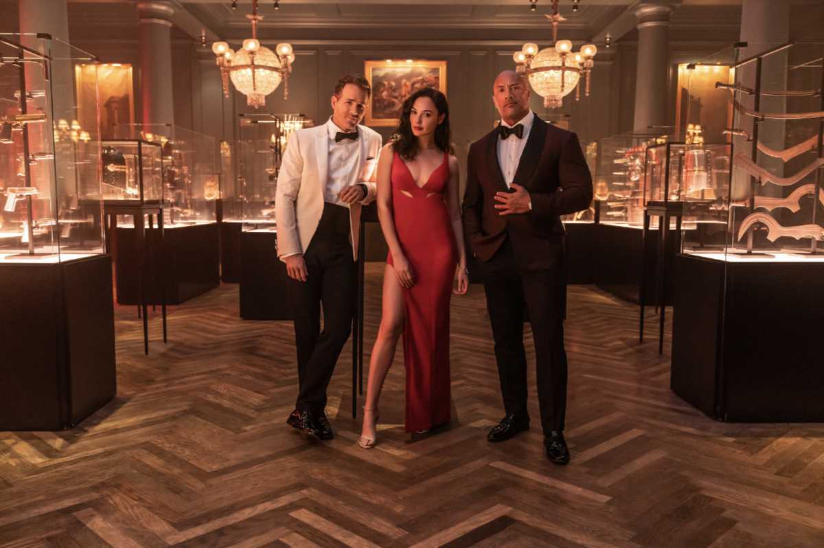 Red Notice Teaser with Johnson, Gadot and Reynolds